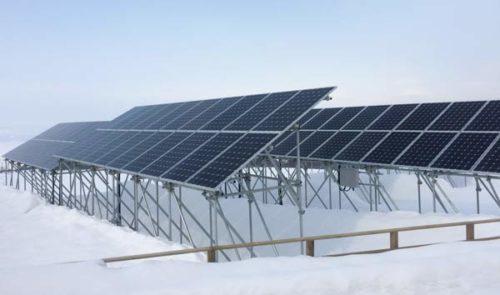 積雪に対応した会津の太陽光発電所